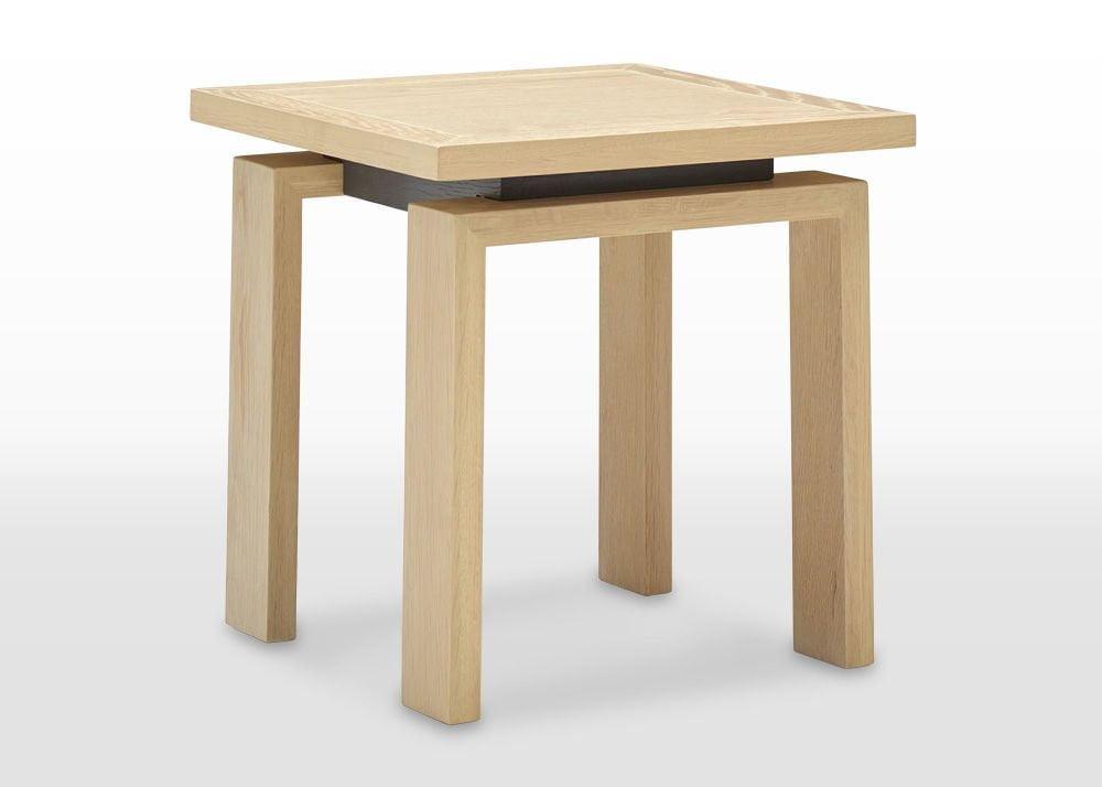 oskar lamp table angled