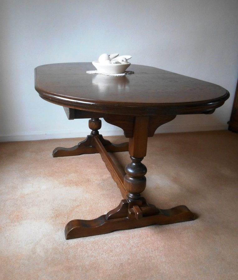 Customers Old Charm Table